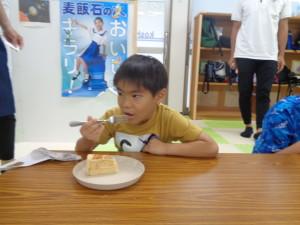 ケーキ食2