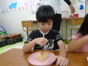 ケーキ食3
